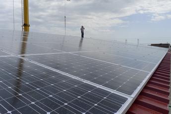 Bau der Photovoltaik-Anlage auf dem Werk Ost, 2013