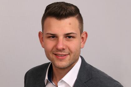 Tobias Schmidt, Kontakt für Kunden und Ausbildung, Tel: 09089 9697-17