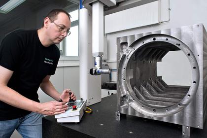 Qualitätskontrolle an Zeiss Koordinatenmessmaschine