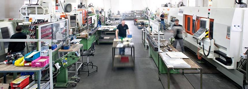Baumgärtner Maschinenbau Fertigungshalle mit 3-Achs Bearbeitungszentren