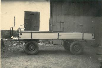 Konstruktion und Produktion von Gummiwägen, ca. 1952